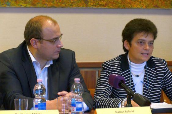 ITTF CEO Judit FARAGO and HTTA President Roland NATRAN announcing Budapest's World Championships Bid