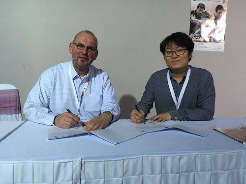 President Ronald KRAMER and General Manager for XIOM Europe Isaac LEE