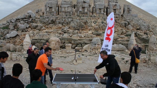 5.000-years patience to meet with table tennis